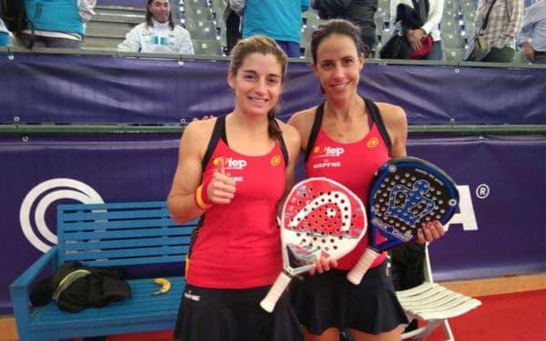 Marta Marrero y Alejandra Salazar